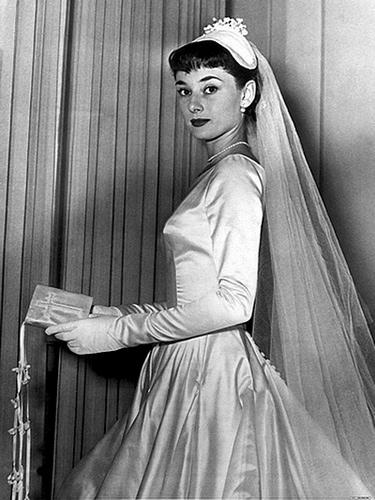 el misterioso vestido de novia de audrey hepburn | ideas para una boda