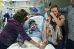 Una hija traslada su boda a la habitación de hospital de su padre
